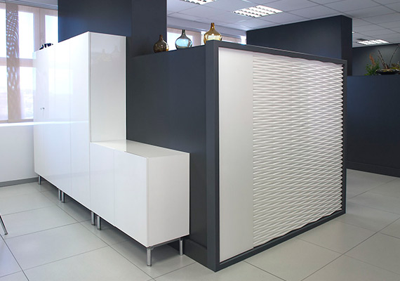 Distribution and office furniture Madrid.Separations dm grooved and painted white.